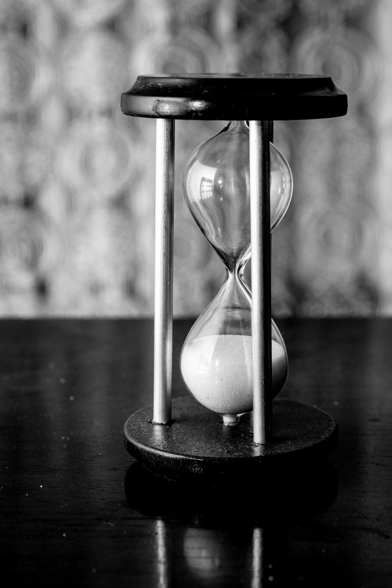 An empty hourglass or sandclock—just like a broken NTP, an empty hourglass is done showing you time.